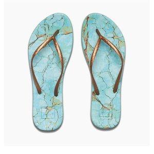 NWT Reef Escape Lux Sandal